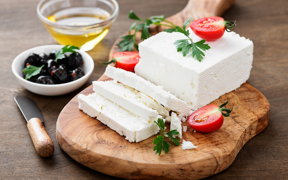 9 High-Fat, Low-Carb Cheeses for Keto Dieters - Feta Cheese
